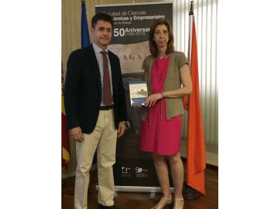 BIC Euronova encourages the creation of businesses between University Students from Malaga with a 1,000 books donation